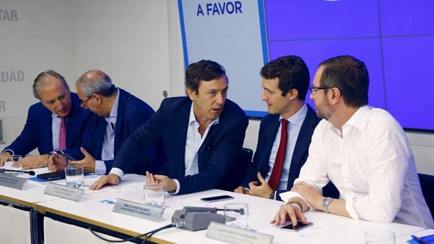 Maroto acusa a C's y PSOE de estar bloqueando la investidura