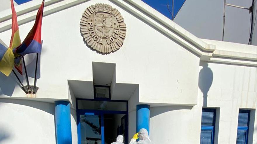 La UME en las dependencias de la Policía Local en Arrecife.
