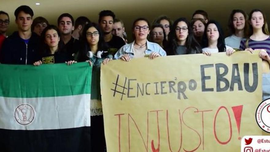 Encierro estudiantes Selectividad Extremadura