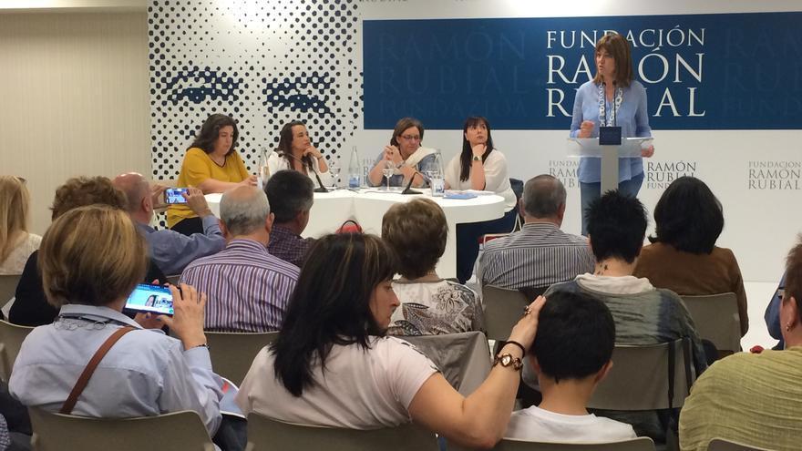 Idoia Mendia, en la jornada sobre discriminación salarial.