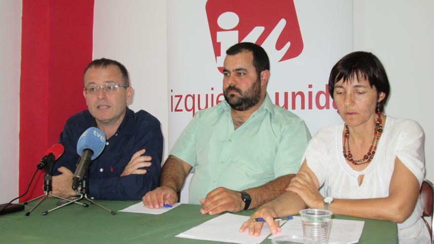 Ramón Trujillo (i), Besay Rodríguez y Ana Acosta, este martes. Foto: LUZ RODRÍGUEZ.