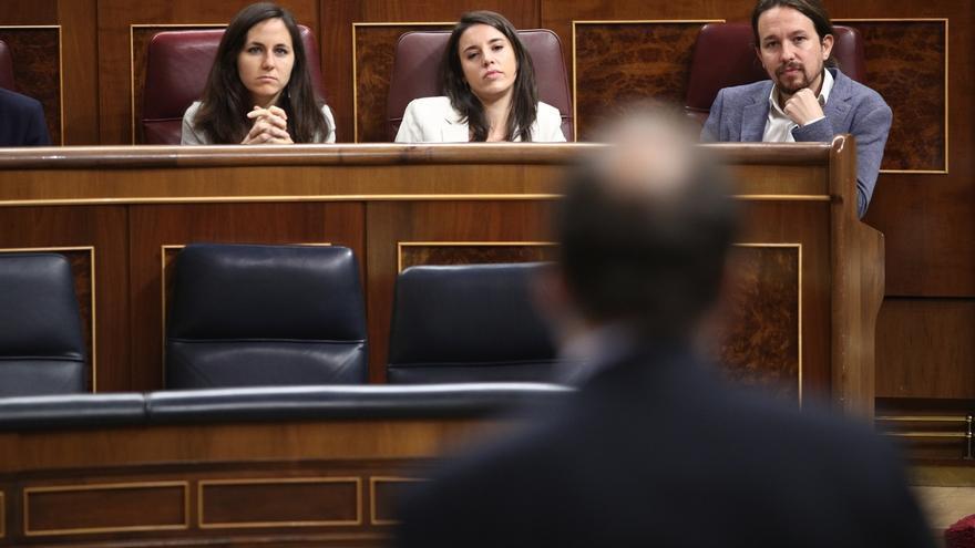 Rajoy se burla de la defensa de la Constitución de Iglesias y le reta a llevar al TC los incumplimientos que denuncia