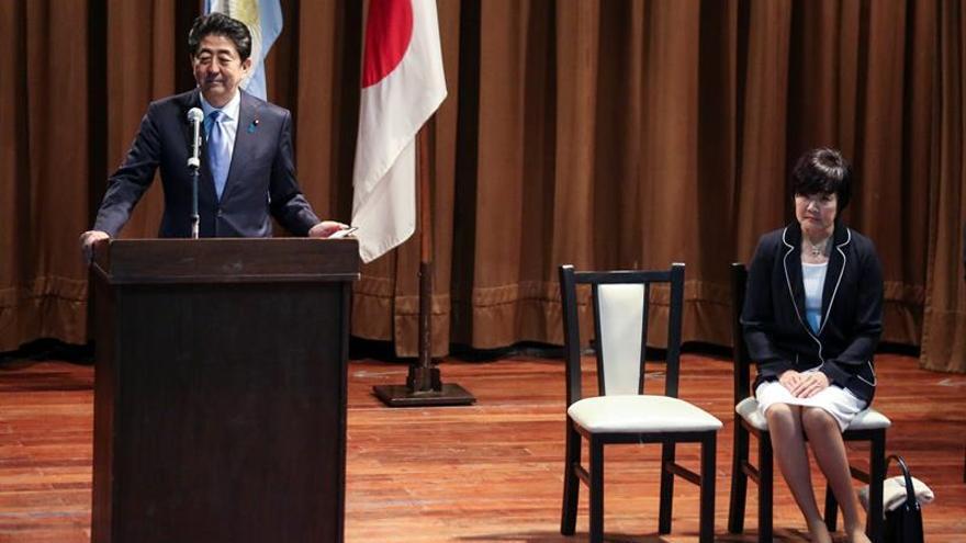 Shinzo Abe inicia su visita a Argentina con un encuentro con la comunidad japonesa