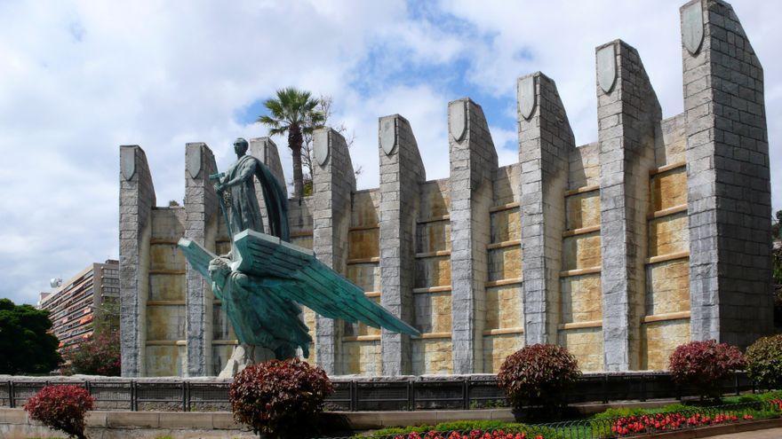El monumento a Franco que aún sobrevive a la demolición en Tenerife