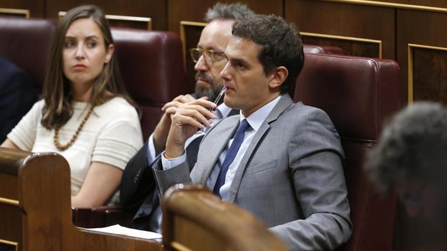 """Rajoy dice que C's y CC hacen """"lo mejor"""" para España al apoyar su investidura"""