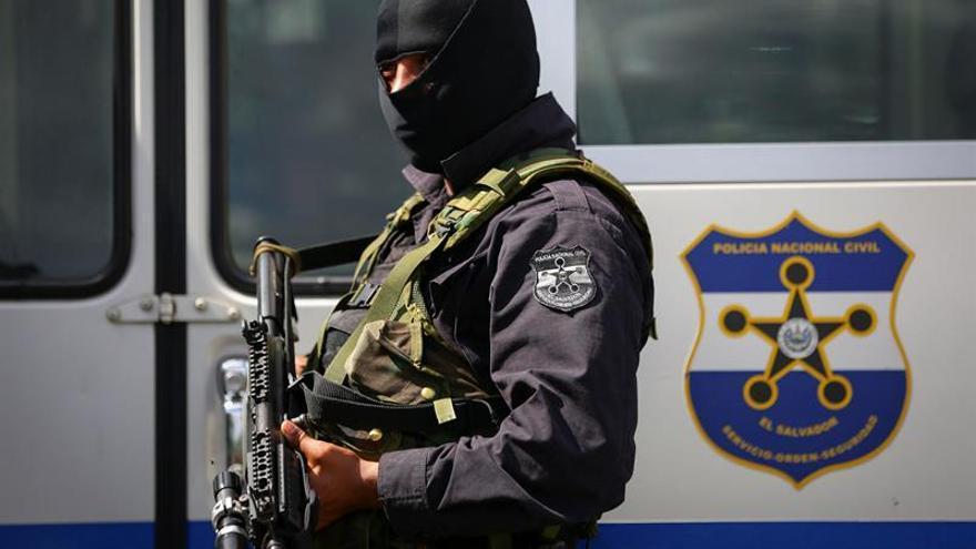 El Salvador apresa pandilleros, testaferros e incauta bienes Mara Salvatrucha