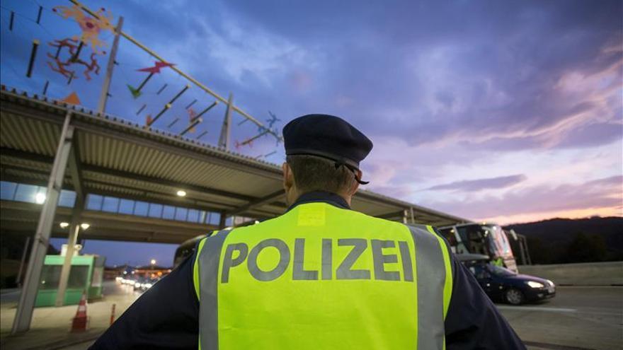 Austria admite que hay que cambiar la norma europea sobre refugiados y asilo