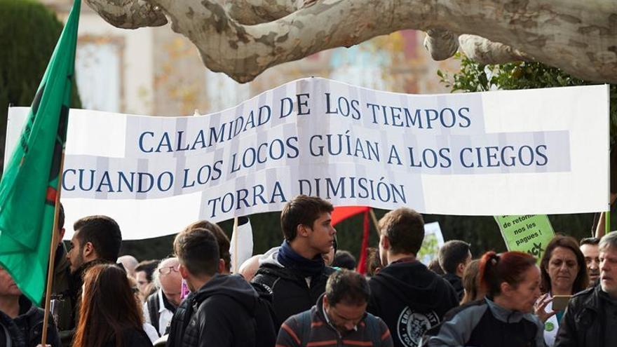 Médicos catalanes firman un acuerdo y desconvocan la huelga de mañana