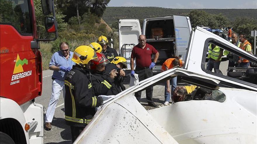 Mueren dos miembros de un retén de incendios en un accidente de tráfico en C.Real