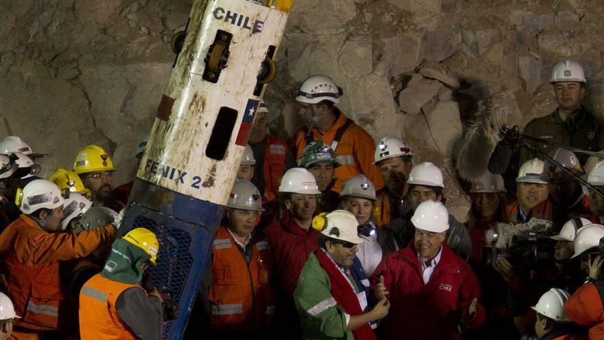 Reducen a la mitad la reparación de 31 de los mineros chilenos atrapados en 2010