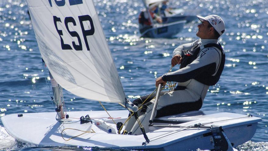 Joel Rodríguez durante el Trofeo Princesa Sofía de vela que se celebra en Palma de Mallorca.
