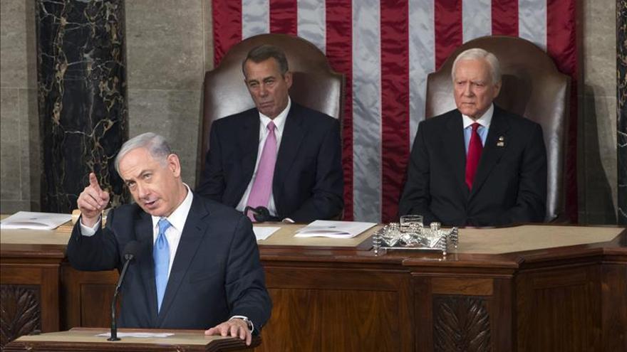 Netanyahu regresa a Israel en medio de críticas de principales columnistas