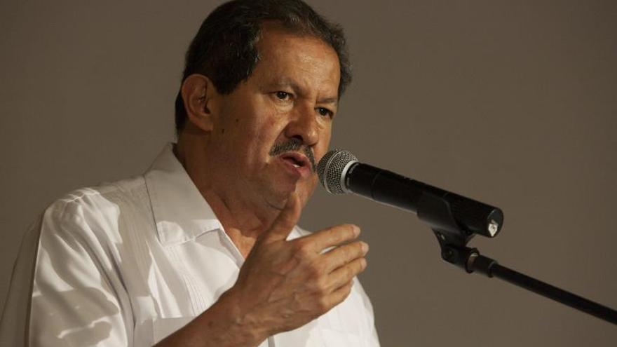 """El vicepresidente colombiano plantea un acuerdo de """"mínimos humanitarios"""" con las FARC"""
