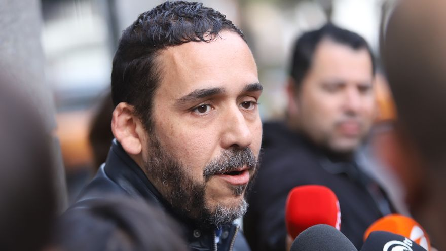 Rubens Ascanio atiende a los medios por fuera de los juzgados de La Laguna