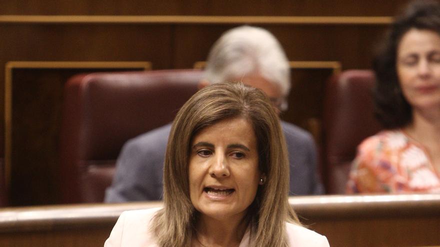 """Báñez asegura que la dirigente madrileña """"se queda y sigue trabajando en el proyecto del PP"""""""