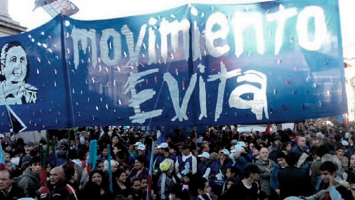 Sobre la hora, el El Movimiento Evita, Somos Barrios de Pie, la Corriente Clasista y Combativa y algunos grupos más chicos decidieron levantar la convocatoria.