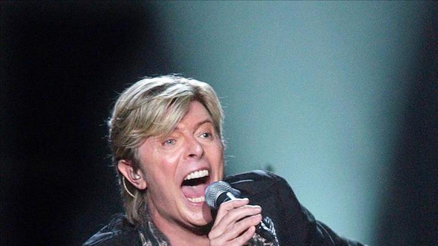 El veterano David Bowie optará a dos premios Brit de la música