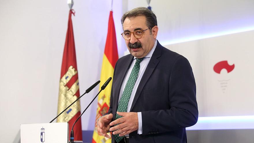 """Sanz critica el """"tono agresivo"""" del candidato del PP en el debate y su intento por """"afear"""" las listas de espera"""