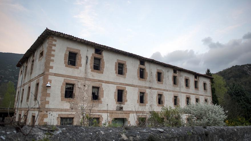 La antigua cárcel de Valdenoceda, centro de exterminio para republicanos, como fue calificada por sus prisioneros, estuvo en funcionamiento entre 1938 y 1943. Al menos 152 de ellos fallecieron allí de hambre y frío. / Álvaro Minguito | DISOPRESS