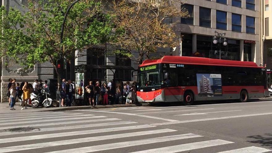La EMT de Valencia prepara un protocolo para evitar casos de acoso sexual en los autobuses