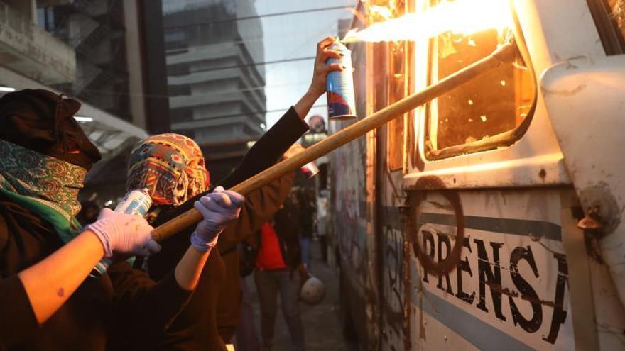 Mexicanas confrontan al Gobierno y a medios en jornada contra feminicidios