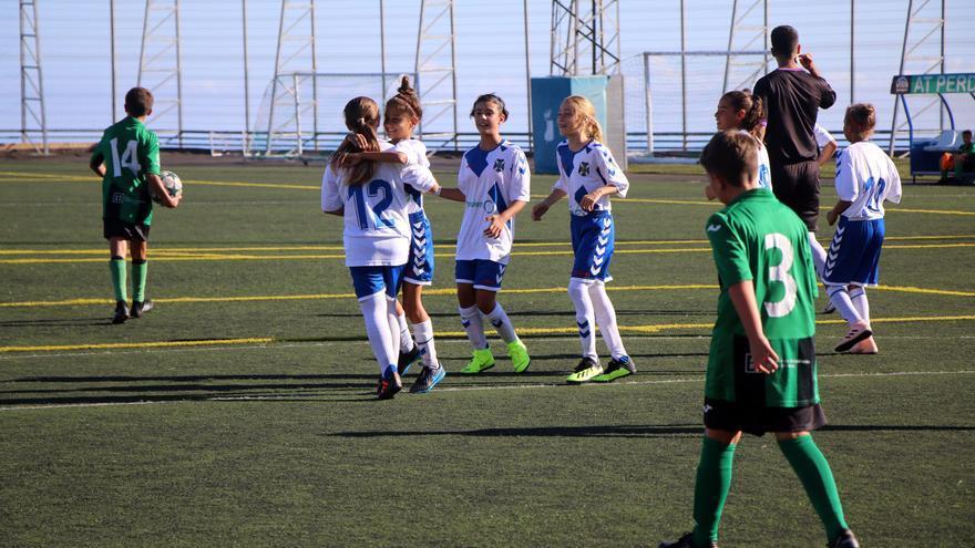 El CD Tenerife puso en marcha su sección de fútbol femenino este pasado verano.