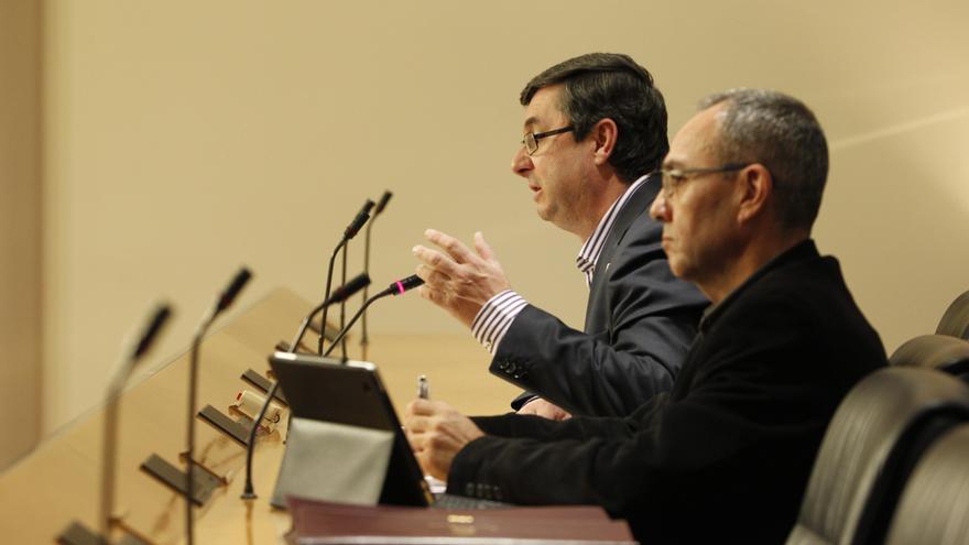 IU-ICV cargan contra las comunidades del PP por aceptar los recortes y piden un déficit solidario y asimétrico