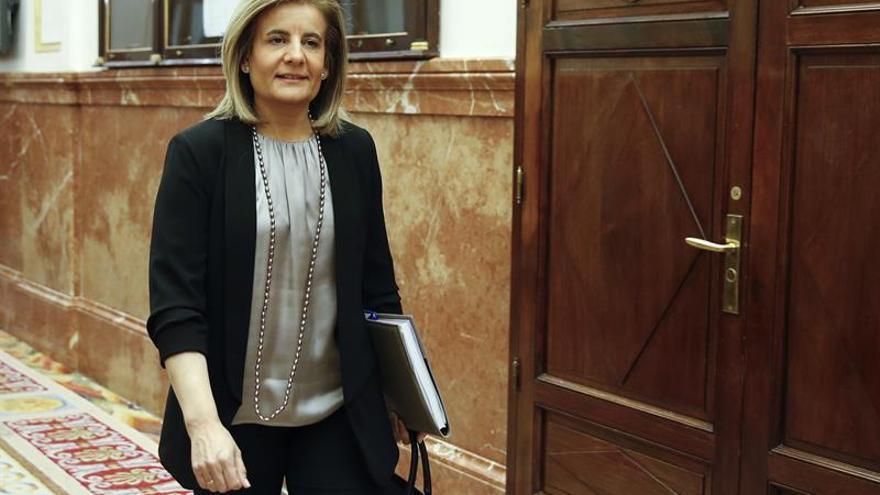 """Fátima Báñez asegura que con el gobierno del PP las pensiones subirán """"siempre"""""""