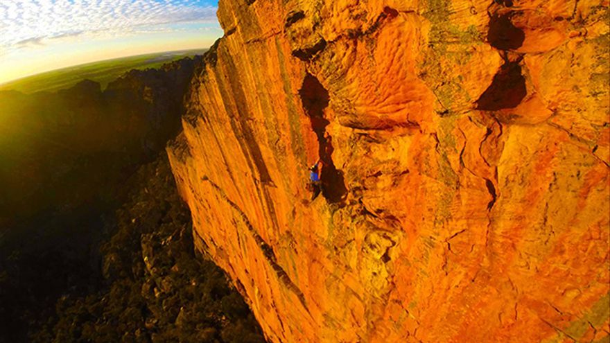 En 'The Seventh Pillar' (A2), en Taipan Wall (Grampians).