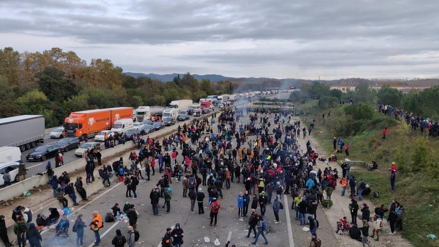 """Consejero catalán dice que le preocupan más los """"déficits"""" en infraestructuras que los cortes de carreteras"""