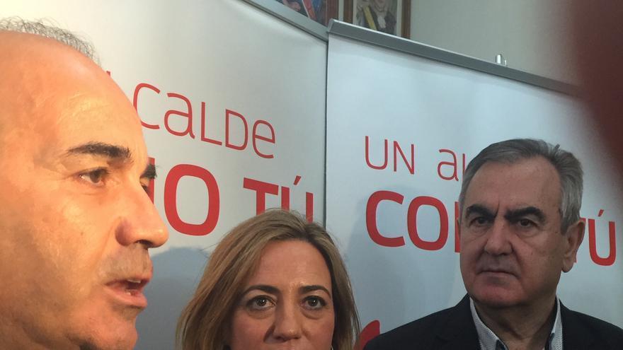 Pedro López, Carme Chacón y Rafael González Tovar en la presentación de la candidatura a la alcaldía de Murcia / MJA