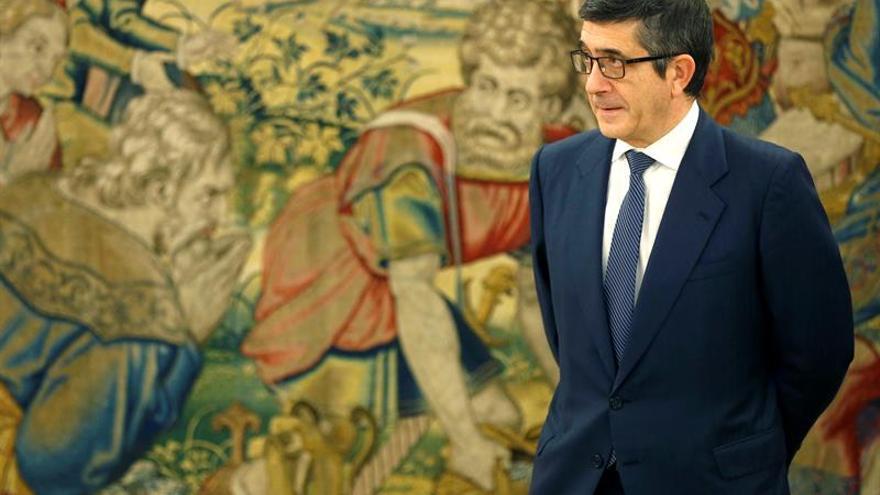 El presidente del Congreso, Patxi López, a su llegada al Palacio de la Zarzuela este martes.