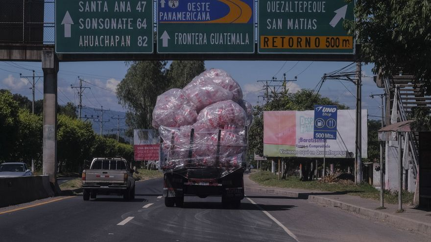 La embotelladora de Coca Cola en El Salvador fabrica y distribuye bebidas en toda Centroamérica / © Pedro Armestre
