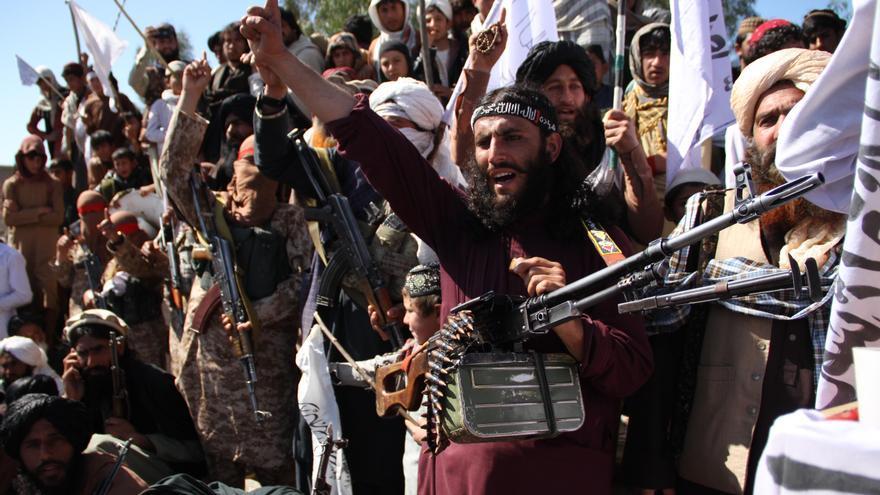Combatientes talibán celebran el acuerdo con EEUU en la provincia de Laghman
