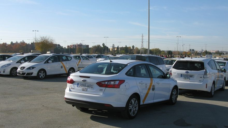 Convocatoria municipal para convertir taxis adaptados en convencionales al superar la cuota del 5% de la flota