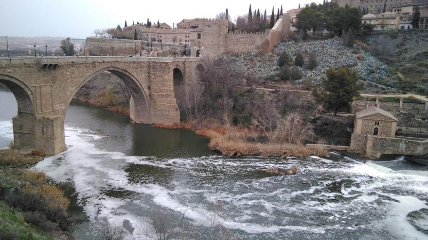 Imagen del río Tajo a su paso por Toledo a finales de 2017 / Plataforma de Toledo en Defensa del Tajo