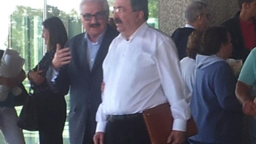 Suárez Gil, a su salida del Palacio de Justicia de La sPalmas de Gran Canaria.