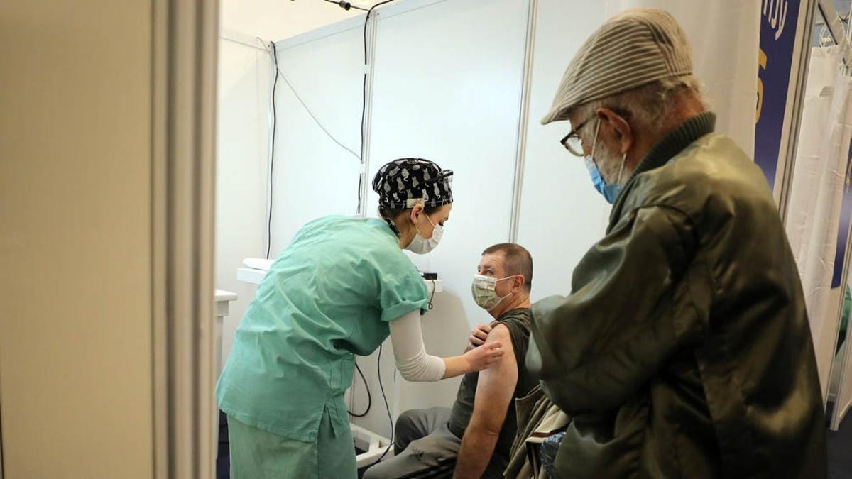 Palestina firmó cuatro contratos para adquirir vacunas para inmunizar al 70% de la población en Cisjordania y la Franja de Gaza.