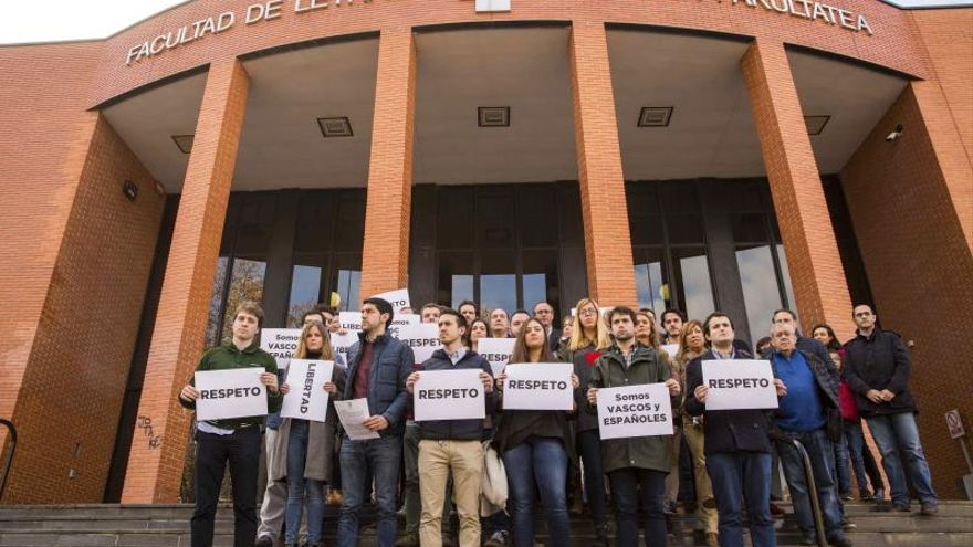 Vinculan a los detenidos en Vitoria por paliza a un estudiante con ultras del deporte