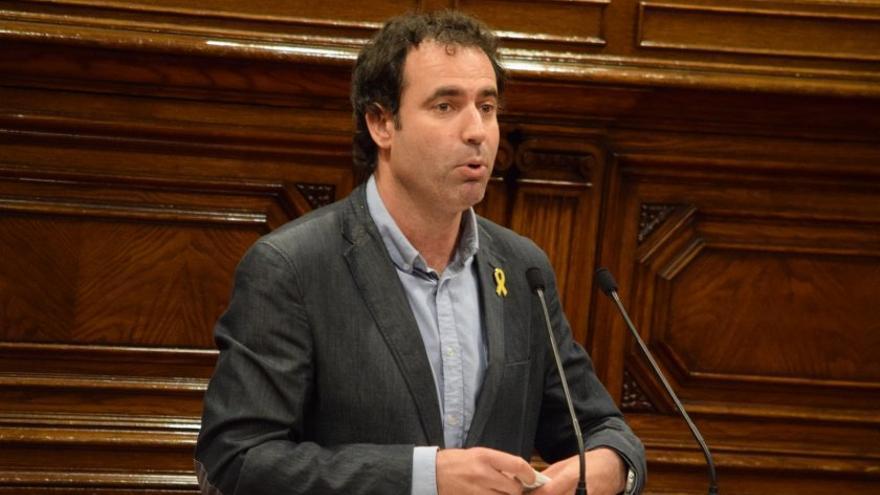 El diputado de ERC, Ferrán Civit, durante un pleno en el Parlament