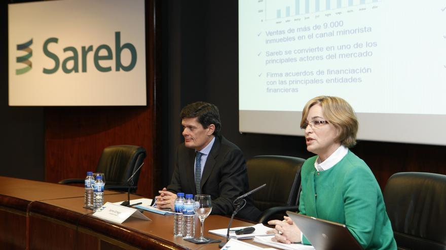 La presidenta de la Sareb, Belén Romana y el CEO Jaime Echegoyen