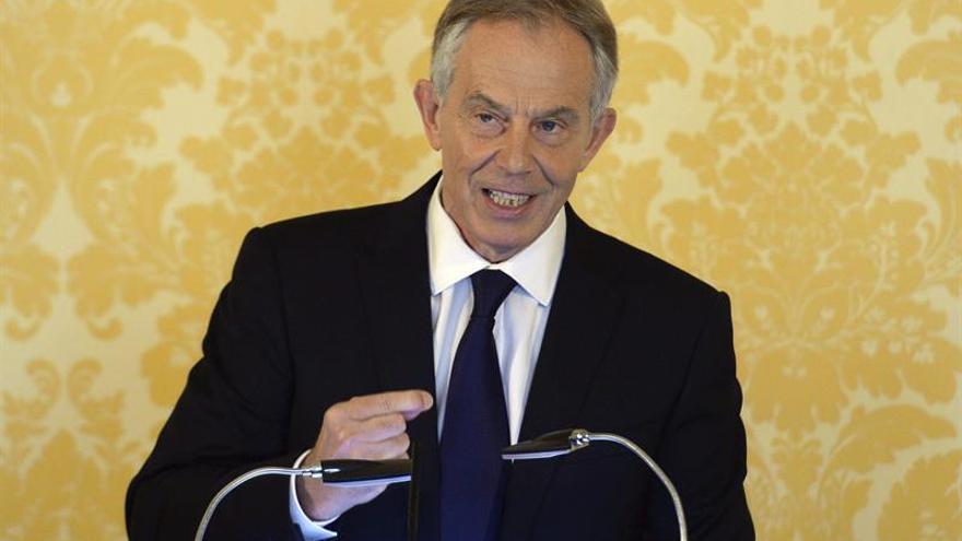 Blair advirtió a Trump de que la inteligencia británica le espió, según un libro