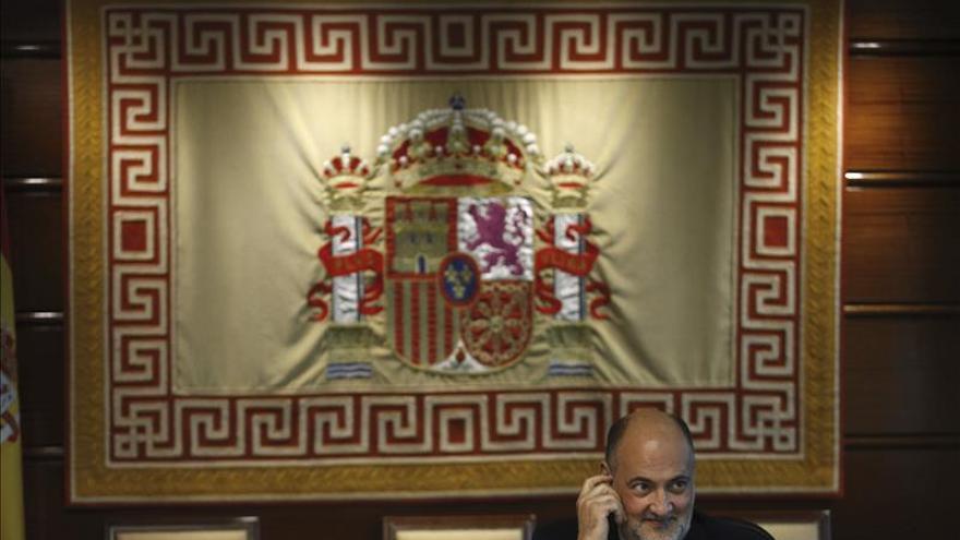 El presidente del Constitucional dice que juristas y políticos tienen escasa formación constitucional