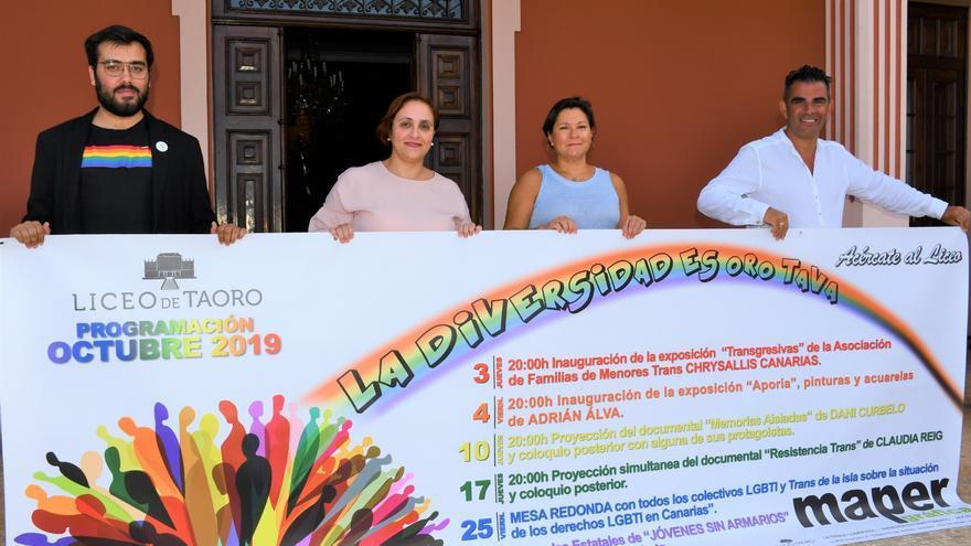 Sergio Siverio (izquierda), presidente de la Asociación LGBTI* Diversas, y Fran Baute, vicepresidente (derecha), en la presentación de la iniciativa