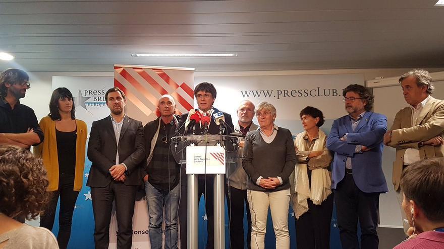 Carles Puigdemont y miembros del Consell per la República, el 1 de octubre de 2019 en Bruselas.