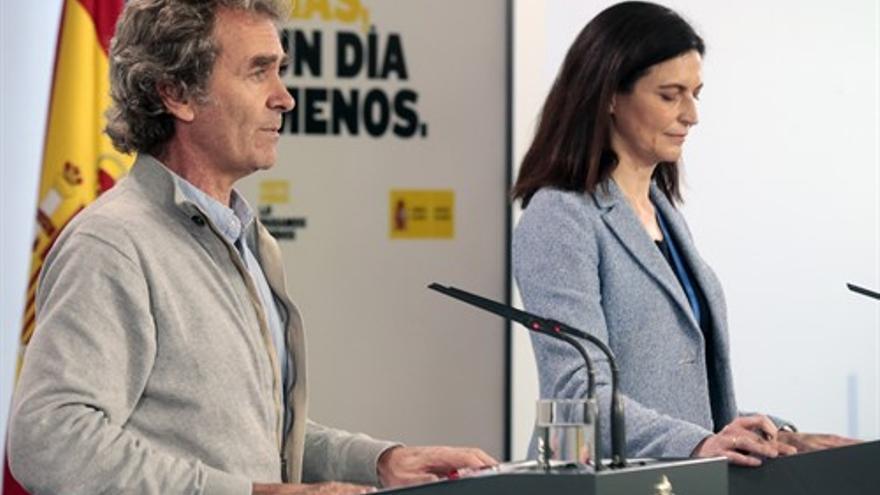 El director del Centro de Coordinación de Alertas y Emergencias Sanitarias, Fernando Simón y la directora del Instituto de Salud Carlos III, Raquel Yotti.