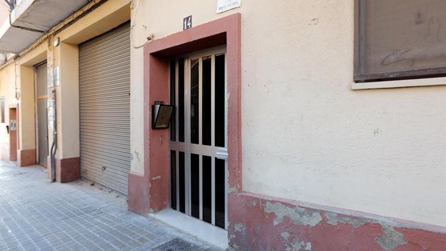 El detenido por matar a su madre en Valencia sigue custodiado en un hospital