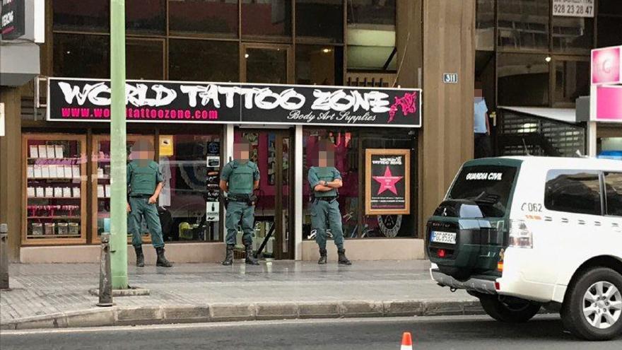 Operación contra tintas no homologadas en Las Palmas de Gran Canaria.