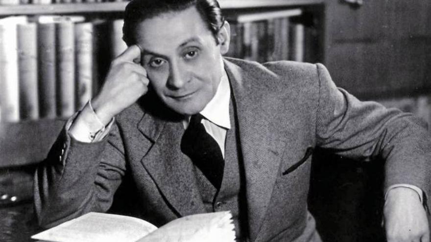 El escritor Enrique Jardiel Poncela
