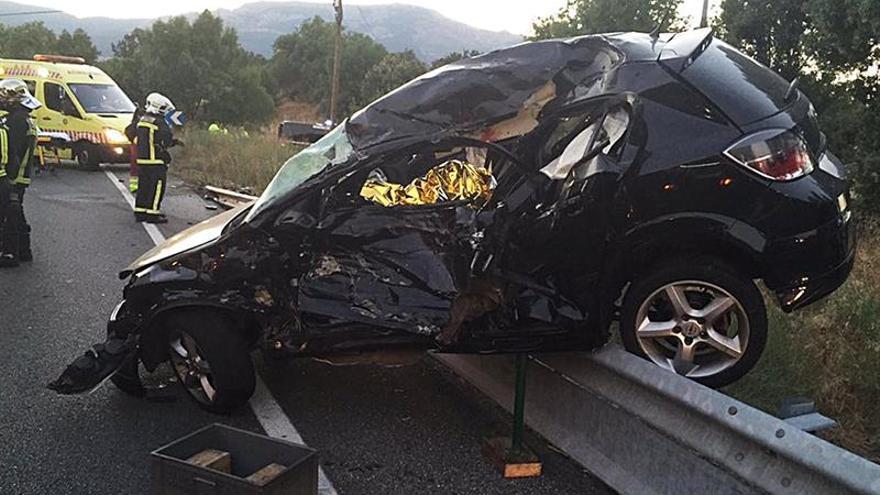 Dos muertos y dos heridos graves en un accidente en El Escorial (Madrid)